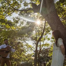 Wedding photographer Alexandre Peoli (findaclick). Photo of 24.08.2017