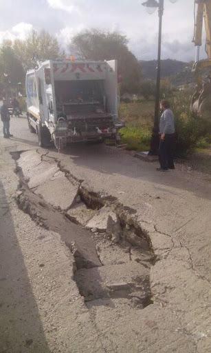 Εργατικό ατύχημα στο Δήμο Λευκάδας -«Βούλιαξε» απορριμματοφόρο (φωτο)