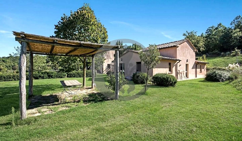 Corps de ferme avec jardin et piscine San Casciano dei Bagni