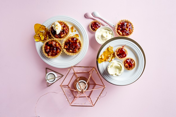 Cranberry, mascarpone & almond praline tartlets