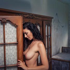 Kate by Frank Vex - Nudes & Boudoir Artistic Nude ( beauty, brunette, model, nude, glamour, fineart, breast )