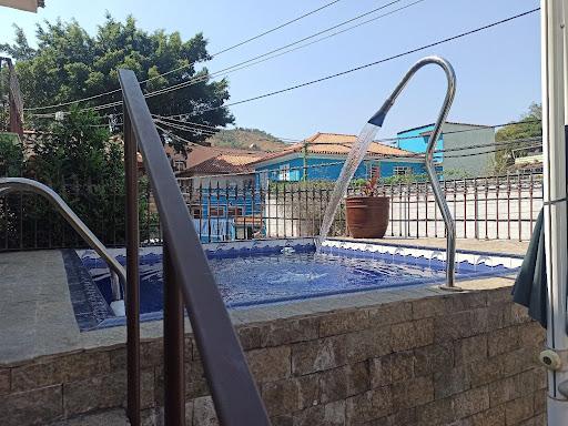 MARAVILHOSA Casa 4 Dormitórios, Suítes, Garagem, Churrasqueira e Piscina - Fonseca