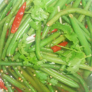 Pickled Green Beans With Ginger and Lemongrass