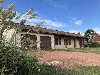 maison à La Clayette (71)