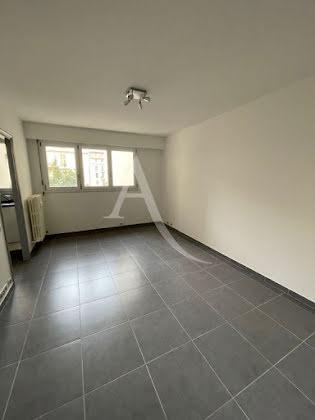 Location studio 26,97 m2