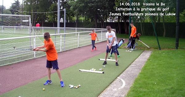 Initiation à la pratique du golf pour les jeunes footballeurs polonais de Luków