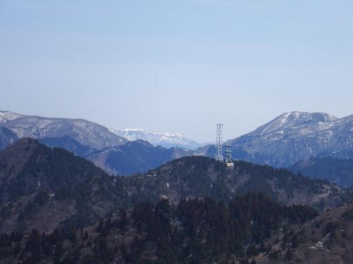 高円山(奥に御池岳)