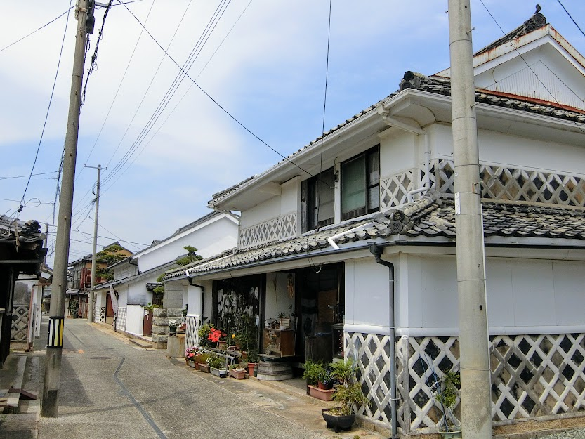 海鼠壁が際立つ廻船業の町『阿知須』