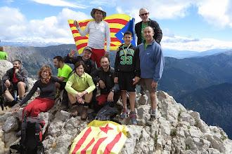 Photo: Pau Serra (R/G) i família a dalt del Pedraforca (2.506m)