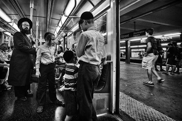 Ebrei ortodossi in metro di bondell