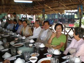 Photo: Thầy Cao ở Tiền Giang, không ngại đường xá xa xôi về họp mặt