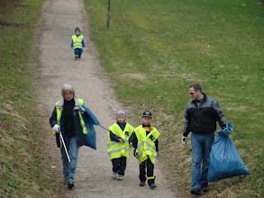 Photo: Et flittigt affaldshold på vej