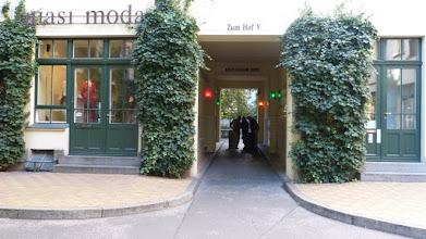 Photo: Durchgang Hof V der Hackeschen Höfe