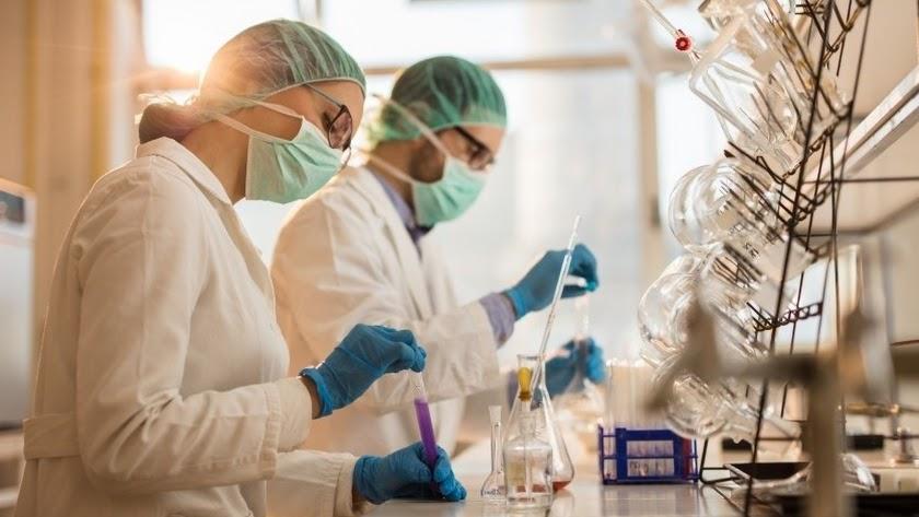 Investigadores en el laboratorio.