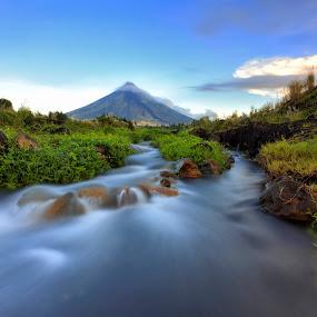 Majestic Mayon Volcano by Hiram Abanil - Landscapes Mountains & Hills ( mayon )