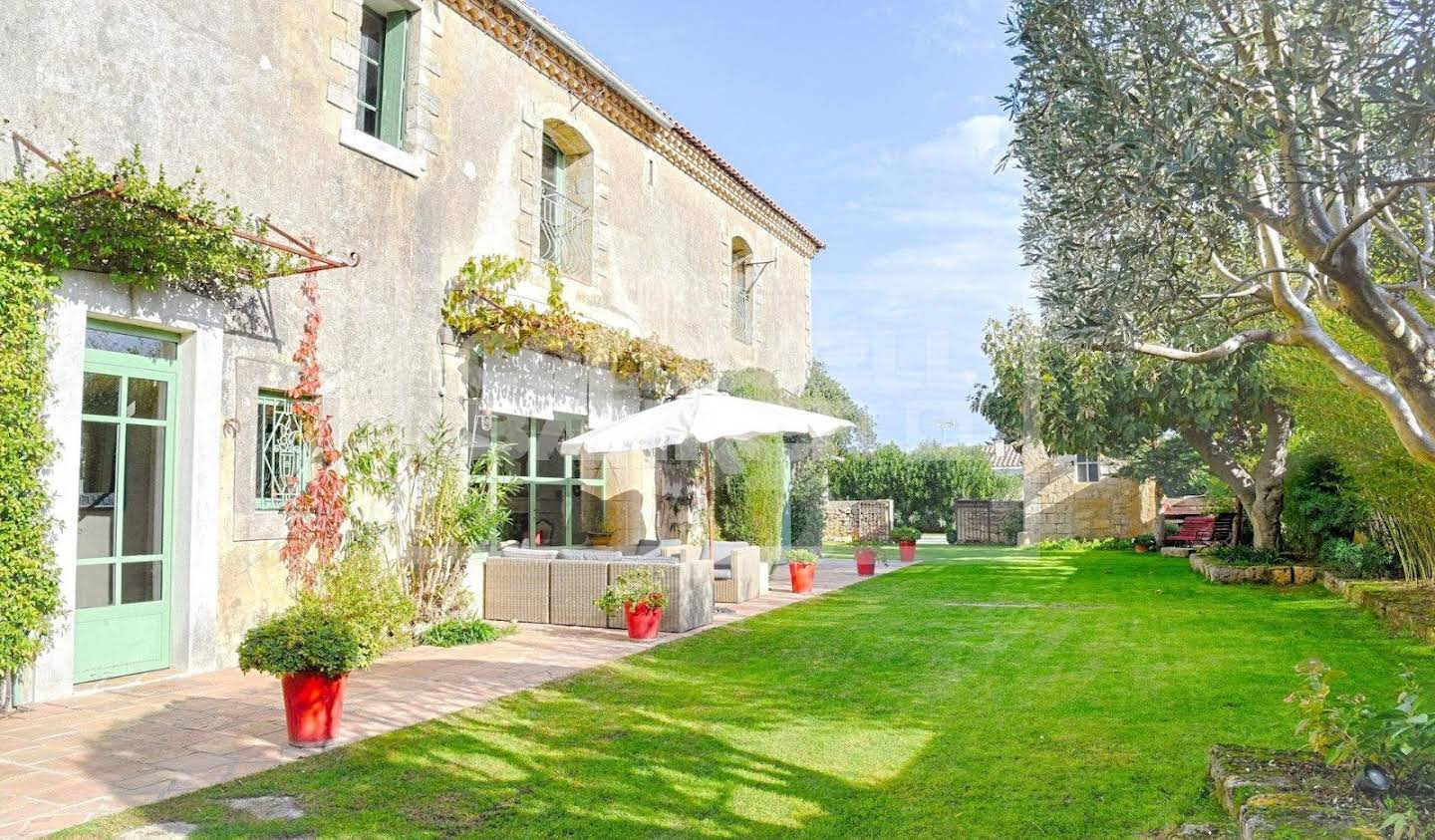 Property with garden Lunel