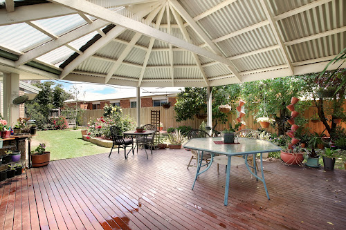 Photo of property at 2 Fairmead Place, Narre Warren South 3805