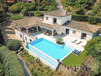 Villa 370 m2