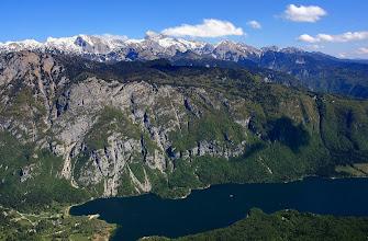 Photo: Bohinjské jezero - Julské Alpy - z VOGELU http://www.turistika.cz/rady/17-bohinjske-jezero-julske-alpy-vogel-slovinsko