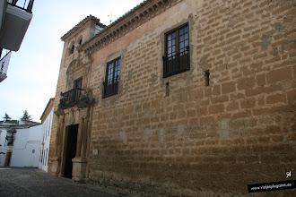 Photo: 24: Museo de Ronda: Está en el Palacio de Mondragón. Tiene estilos mudéjar y renacentista. Su origen es islámico y tiene la típica estructura en torno a un patio central por el cual se accede a todas las estancias de la vivienda.