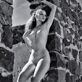 Goddess of Ruins by Kens Yeaglin - Nudes & Boudoir Artistic Nude ( nude, zoevandolof, black and white, sasco mine, outdoors, window frame )