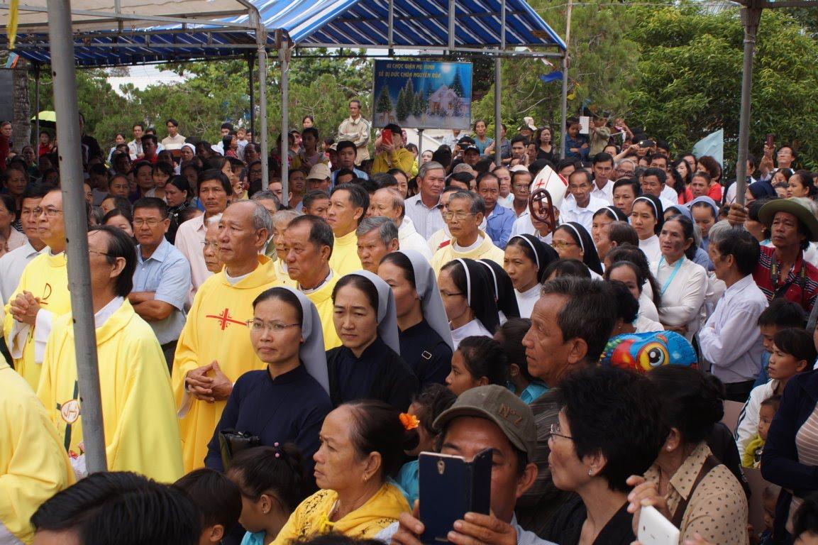 Ngày Hành Hương Mừng Bổn Mạng Giáo Phận Long Xuyên, tại GX Hòn Chông - Ảnh minh hoạ 6