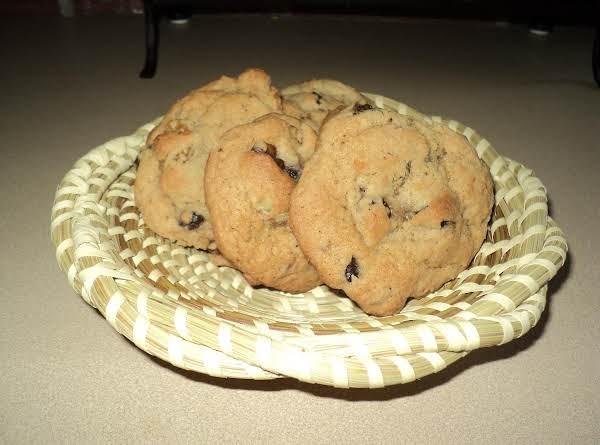 Cora's Raisin Cookies