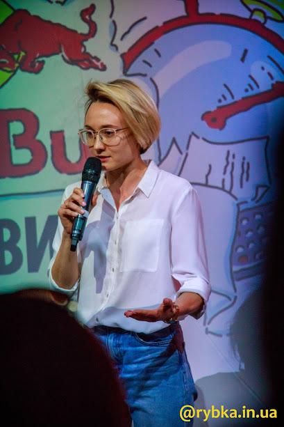 """Lena Balbek – бігунка, засновниця WOOFIT І куратор ініціативи """"Середи в ОХМАТДИТі"""""""