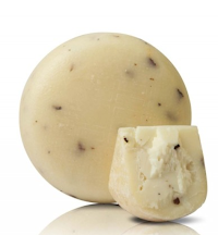 Cured for 90 days. While cutting the curd, black truffle and bianchetto flakes are added. The result is a soft pecorino that can be used also to prepare bruschetta, cheese fondue or sauces.