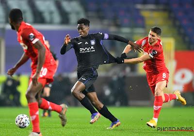 """Ex-doelman RSCA tipt op brilscore: """"Het is de 10de tegen de 6de"""" en """"Anderlecht zit vast aan Kompany en omgekeerd"""""""