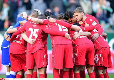 Bayern München laat twee punten liggen bij Union Berlin en de topper in Manchester stelde teleur