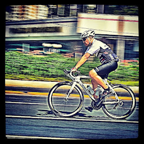 by Hari Darmawan - Sports & Fitness Cycling ( hdr, sport, bike, carfreeday, iphonesia, instanesia, instagram, panning, hightdinamicrange, arie_46 )