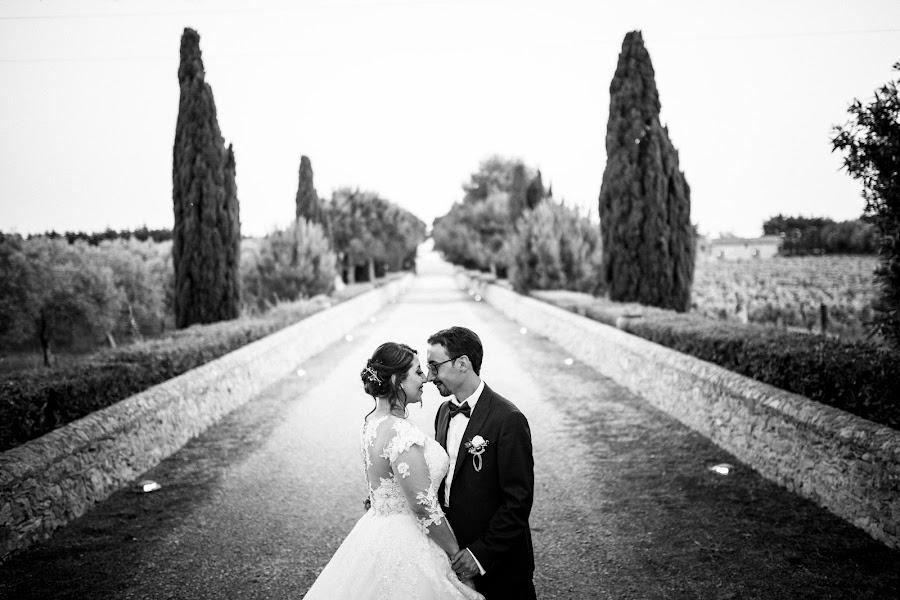 Wedding photographer Leonardo Scarriglia (leonardoscarrig). Photo of 17.12.2019