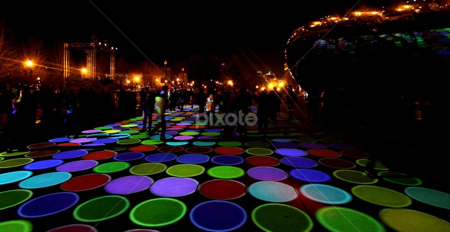 Luftwerk by Sue Conwell - City,  Street & Park  City Parks ( luminous field )