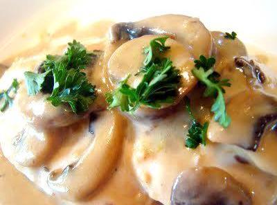Julia Child's Chicken Breasts W/mushrooms & Cream Recipe