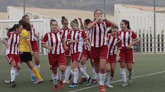 Fátima celebra uno de sus dos goles.
