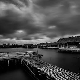 by Hanan Maulana - Black & White Landscapes