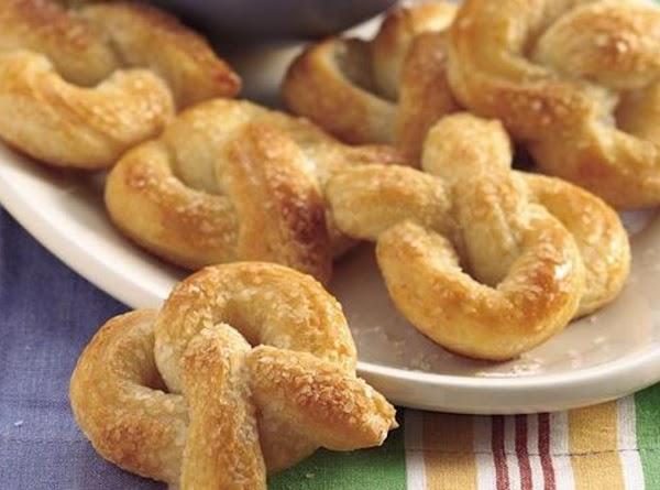 Mini Soft Pretzels And Dip Recipe