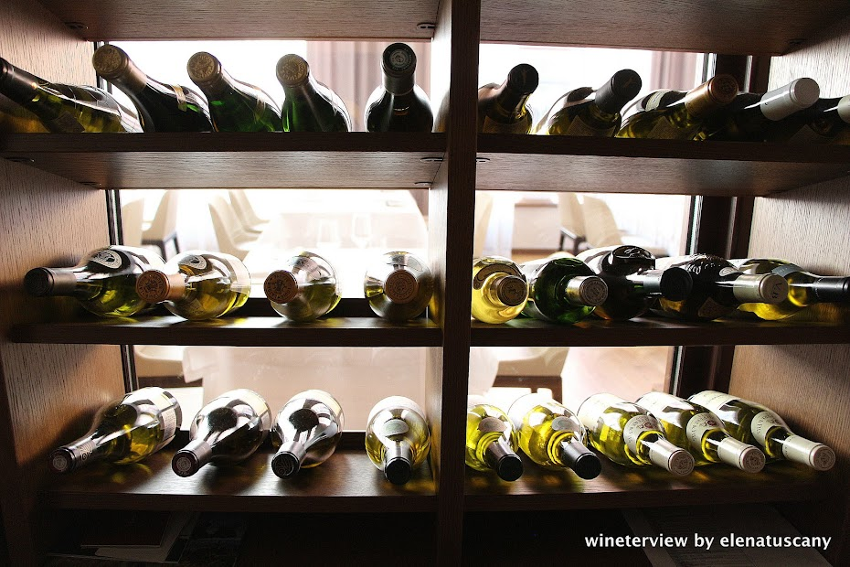 wine cellar, wine fridge, wine closet,