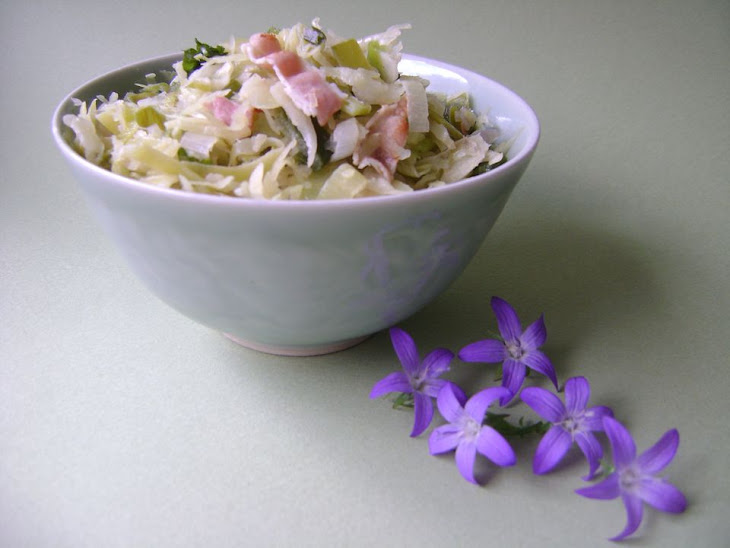 Pan-Fried Pointed Cabbage with Leeks and Bacon