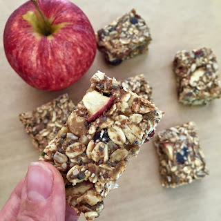 Easy Homemade Cinnamon Apple Granola Bar