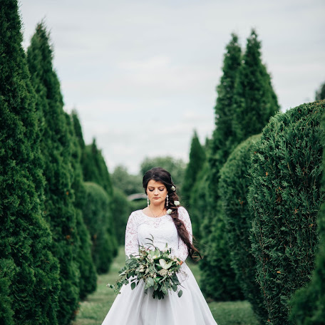 Wedding photographer Oksana Denisova (999oksanka999). Photo of 02.11.2017