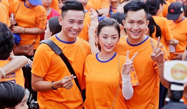 Áo thun đồng phục cổ tròn màu cam