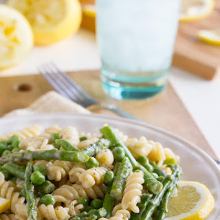 Lemon Cream Sauce Pasta with Asparagus and Peas.