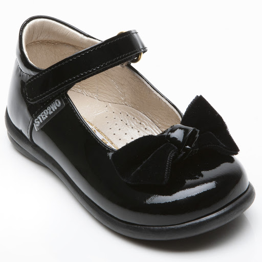 Thumbnail images of Step2wo Palace - Bow Shoe