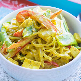 Rice Noodles Red Pepper Snow Peas and Tofu in Curry Sauce Recipe