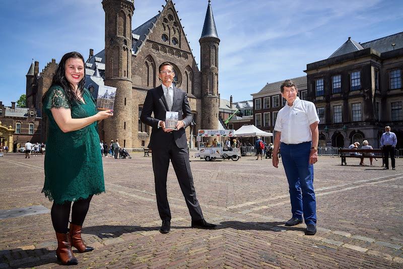 Kritisch VVD-lid doet in roman boekje open over 'functie elders'