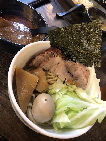 已經很多年沒有吃到跟日本一樣原始風味的拉麵了!湯頭濃郁到誇張!沒吃過真的會後悔❤️❤️🐷🐷