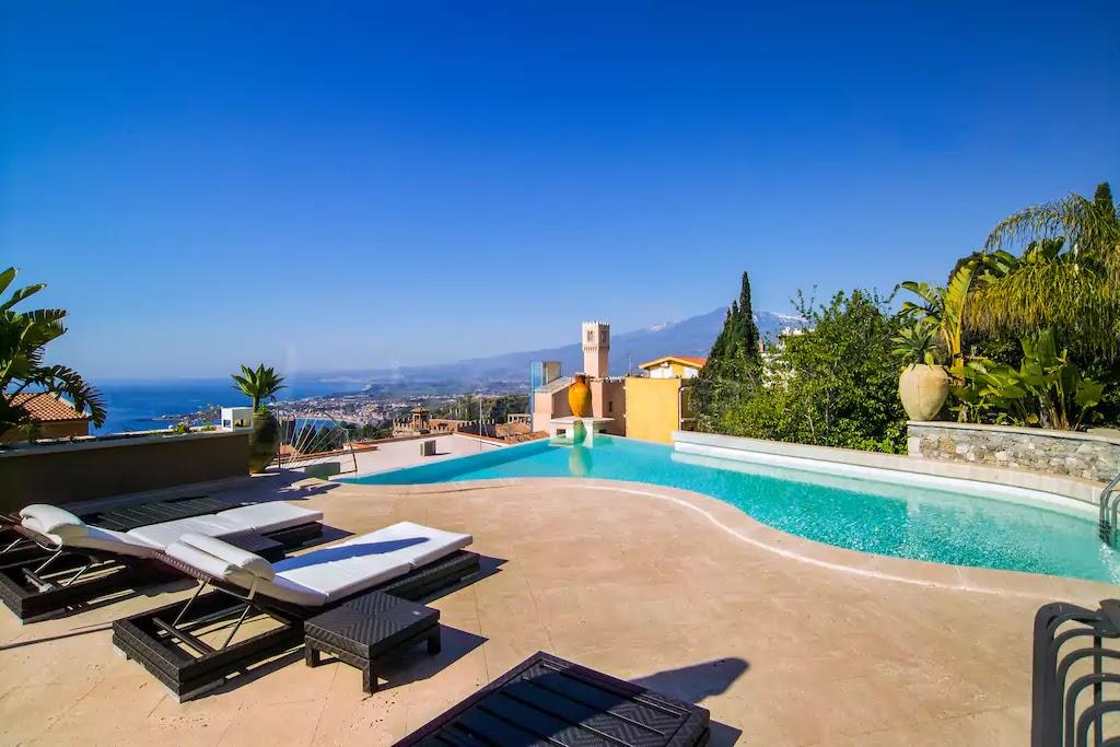 airbnb villa taormina