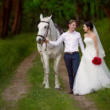 Wedding photographer Olesya Kareva (Olisa911). Photo of 02.07.2016